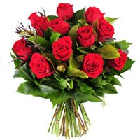 Send Red Roses Bouquet of 10 Flowers to India. Romantic Bouquet delivery in India