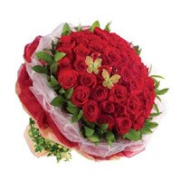 Send Red Roses of 50 Flowers to India. Valentine's Day Flowers to India