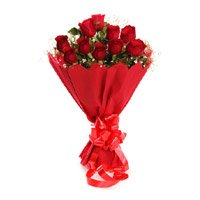 Send Red Roses Bouquet in Crepe of 10 Flowers to India